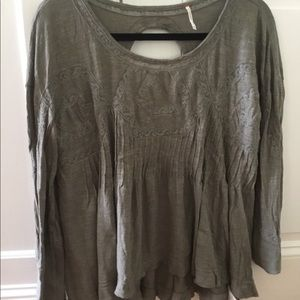 FREE PEOPLE green long sleeve blouse.